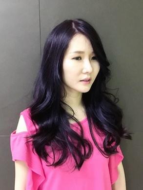 【推薦高雄美髮】髮型設計師各個的都是髮廊裡的菁英~染髮、燙髮、護髮每個步驟都極度嚴謹!為我打造今夏最流行的質感髮色!