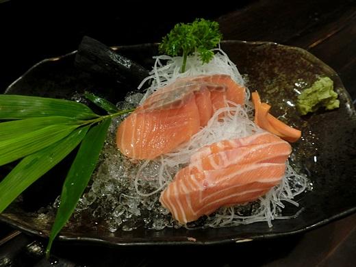 【高雄居酒屋燒烤店】網友超推薦的高雄左營日本料理店,果然是聚餐好地方,隱藏在高雄的日式串燒燒烤店~超好吃的啦!