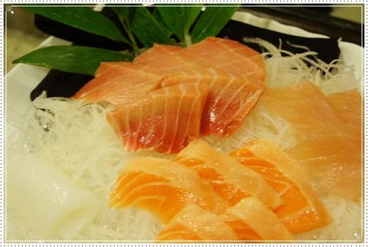 【高雄左營美食分享】高雄串燒料理分享~完全就是日本味的料理啊!!!讓人想一吃再吃的高雄左營串燒料理~超幸福的!
