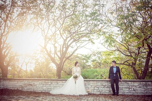 【高雄婚紗推薦】評價相當好的高雄婚紗店~婚紗攝影及禮服出租超多人推薦,是台灣價錢實在質感又好的婚紗店了!