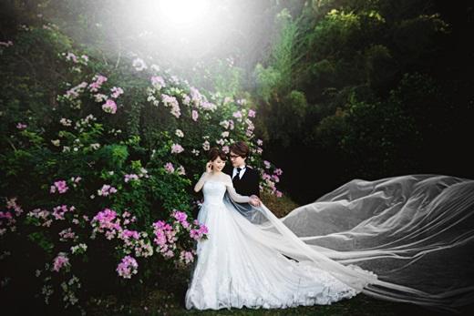 【高雄婚紗推薦】我的手工婚紗有質感又美美,果然是高雄評價超好的婚紗店,費用也相當滿意~太幸運了!