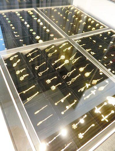 【高雄銀樓推薦】到高雄金飾店挑選首飾禮物,朋友很推薦高雄金飾店唷!比一般的珠寶設計品牌還要有品質~評價超好的呢!