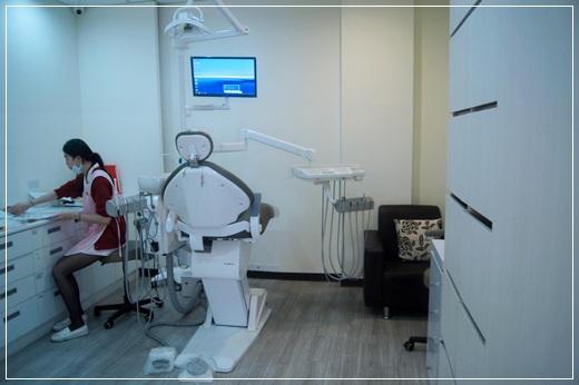 【高雄植牙】在親朋好友推薦下來到高雄牙醫診所植牙,醫師分享資訊很詳細,價格也說明的很清楚,而且設備先進,讓我恢復健康的牙齒狀態~