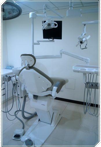 【植牙】高雄植牙價格分期分享●查詢到高雄牙醫診所的植牙評論最好,除了有厲害醫師植牙,價格也很公開透明!