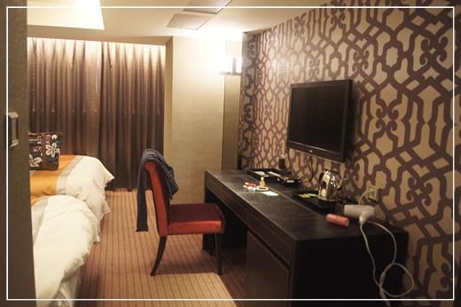 【高雄住宿】朋友把高雄商務飯店住宿推薦給我們,這家旅館的價格雖然不是最便宜的,但還是算平價,住宿的品質真的還滿不錯的!