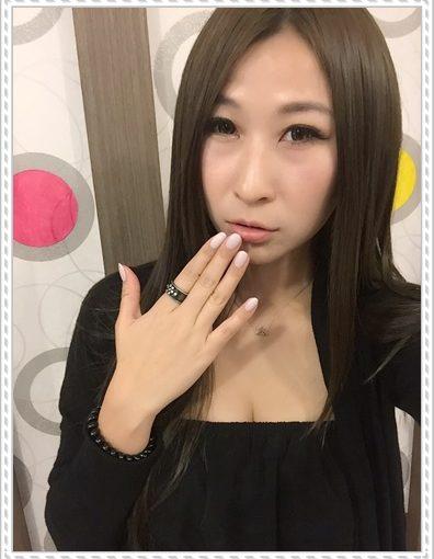 【美甲教學】台南美甲紋繡店超推薦的! 我的指甲彩繪超好看~有超專業的光療指甲服務,價格也很公道!