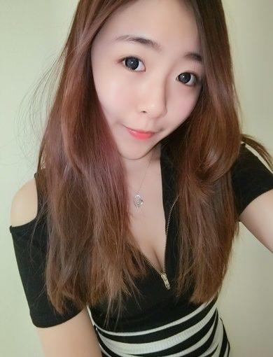 【台中繡唇推薦】在台中做嘟嘟唇超滿意的分享,就連姊妹做的韓式飄眉也好好看,不僅如此就連網友也對隱形眼線超推薦,下次還要再來預約樂比專業紋繡店