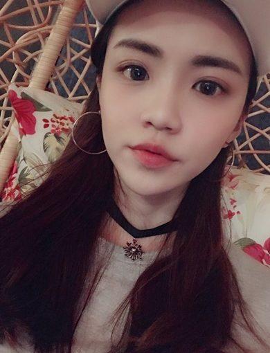 【推薦隱形眼線】姊姊做完韓式飄眉看起也超自然的,除了隱形眼線,打算也去給紋繡老師紋繡唇,享受到專業技術,又有公道價格.只有樂比紋眼線是我最推薦店家