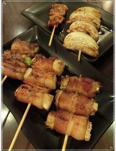 【高雄聚餐餐廳】到高雄燒烤店聚會~忘不了好吃串燒居酒屋美食,連女兒都很愛的日本料理餐點~相當道地又非常美味!!