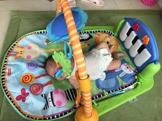 【台中嬰兒用品專賣店】原本還在煩惱嬰兒床及嬰兒汽座要去哪裡買才好~是直到保母將媽媽寶寶用品店介紹給我,才讓我知道也有批發價格及品質這麼好的店家!