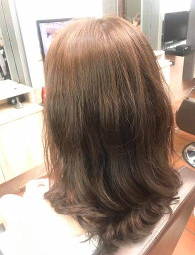【豐原髮型設計師】不論是剪髮,還是染燙髮,最推薦就是豐原這間髮廊了~真的是我看過評價裡最高的美髮店了!已經預約下次我也要來大變髮~