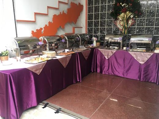【外燴服務】這次參加的歐式戶外婚禮,實在讓人難忘,尤其是外燴的餐點,更是與五星級buffet不相上下!真的好吃到,讓大家都推薦耶~