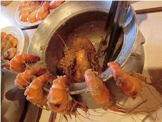 【新竹聚餐】網友推薦新竹好吃的海鮮美食餐廳,現撈活蝦及各式料理實在太銷魂了~實在好回味呀!!