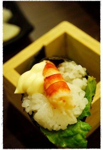 【高雄美食餐廳推薦】高雄日本料理好推薦唷!!是我吃過評價最好的餐廳了~串燒料理及其他日式料理都好好吃~價格又很划算!