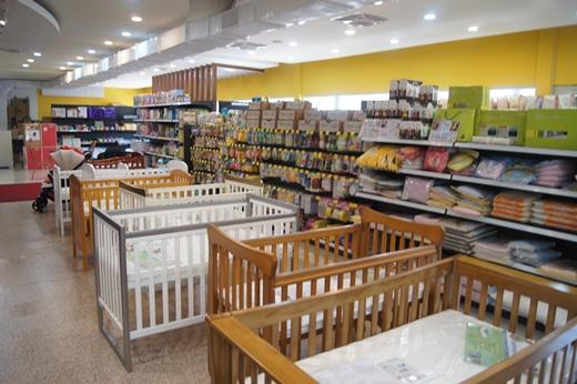 【嬰兒推車】台中哪裡買推車+嬰兒汽座+成長型安全汽車座椅●這家一次通通採買齊全,加碼分享寶寶副食品餐具調理機,他們副食品盒選擇多價格也便宜喔!