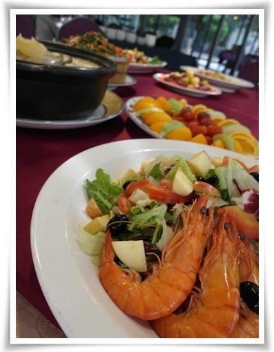 【推薦高雄婚宴餐廳】好多公司聚會都很推薦高雄辦春酒的宴會飯店,是我最愛的聚餐餐廳~場地超棒!分享價位及料理給大家囉!