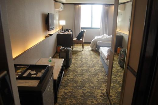 【台南住宿評價】朋友介紹我評價很高的台南商務旅館,鄰近熱鬧的夜市相當推薦,和其他間的住宿價格比較起來物超所值,來趟台南輕旅行吧