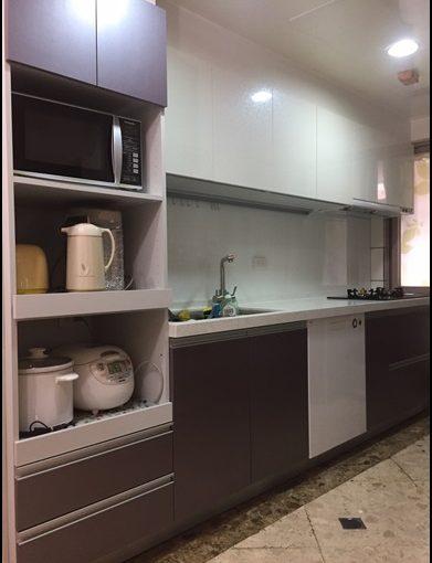 【台北系統廚具價格】找了流理台工廠直營的廚櫃設計公司換掉用了20幾年的舊廚具,精打細算的價格台北廚具流理台推薦實在的系統廚櫃工廠