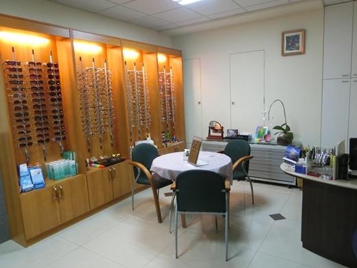 【台中眼科】推薦ptt口碑很好的雷射近視手術※技術好的眼科+資深權威●台中近視矯正、近視雷射首選