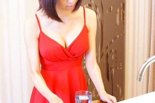 《隆乳手術》推薦做水滴型果凍隆乳整型外科診所◆費用很重要,合法專業更重要|分享我們信任的水滴型隆乳醫師-知名的台中整形外科權威!