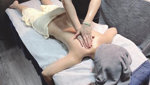 【台中按摩】腹部按摩好舒服*下班後的精油舒壓/指油壓/樂比養生會館 !
